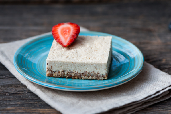 Raw, Vegan, Cashew Lemon Cheesecake